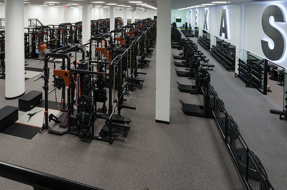 University of Texas Football Weightroom – AktivPro Roll